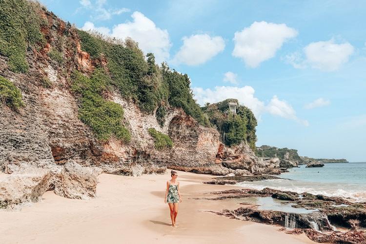 obyek wisata pantai tegal wangi