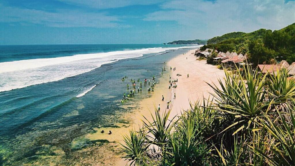 pemandangan laut pantai sepanjang