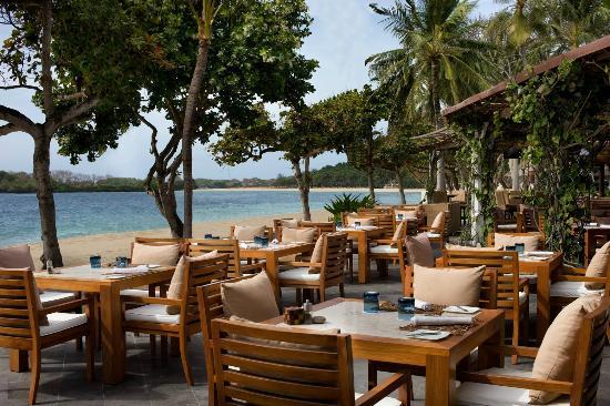 restoran pantai nusa dua