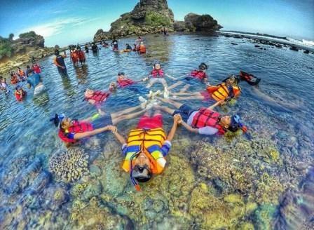 snorkling pantai sundak