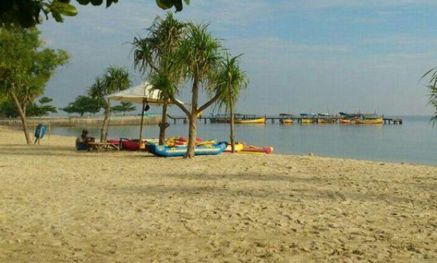 spot wisata pantai bandengan