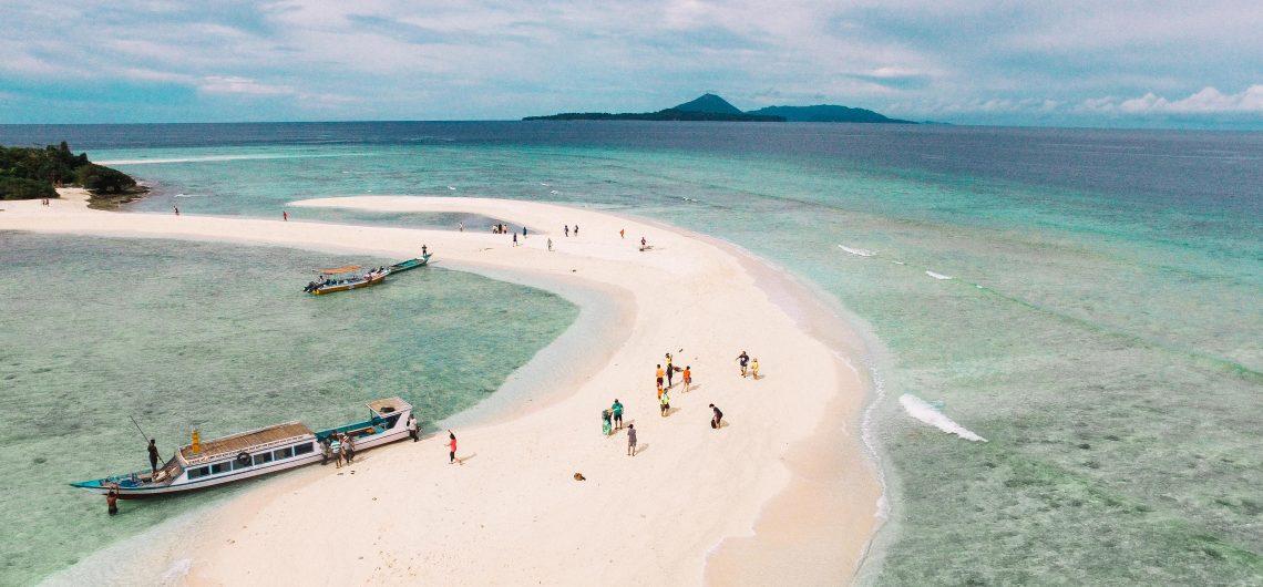 wisata maluku pulau hatta