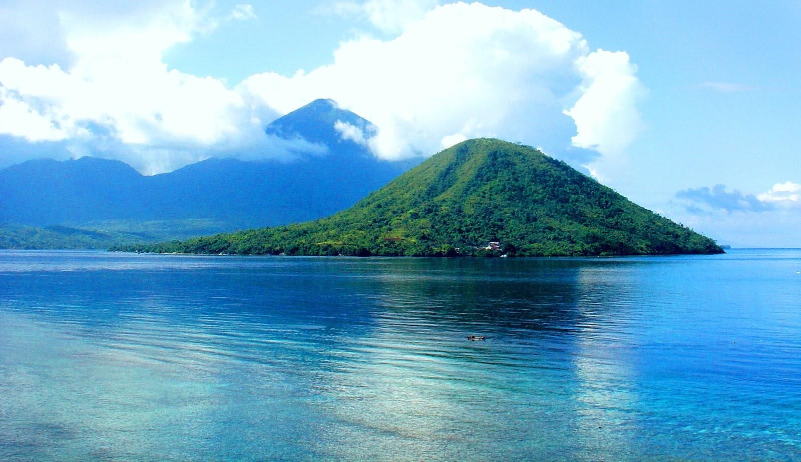 wisata maluku pulau maitara