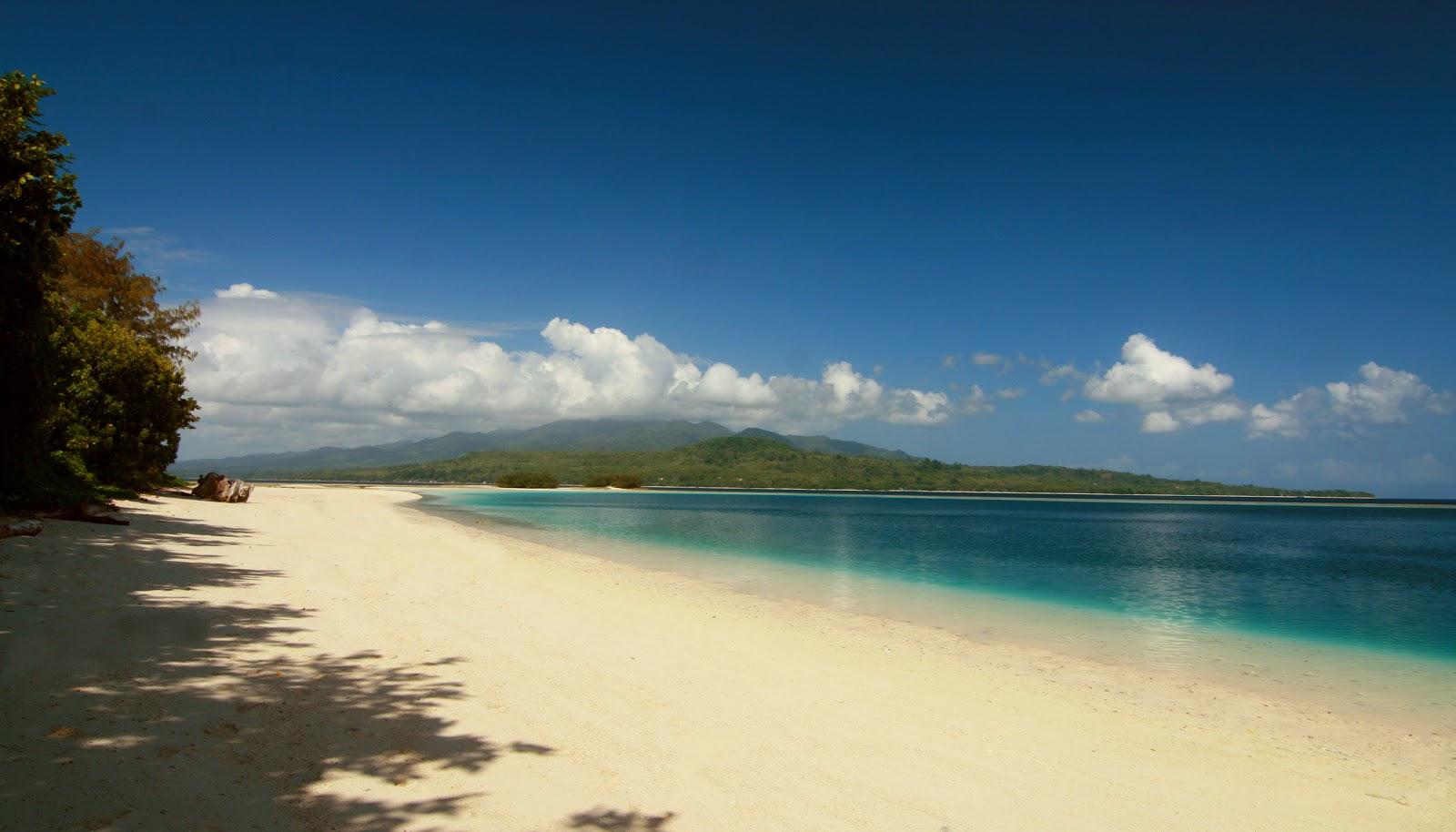 wisata maluku pulau pombo